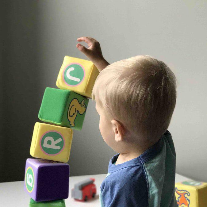 Hoe u het perfecte babyspeelgoed voor uw baby kiest